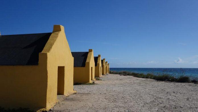 Slavenhuisjes Bonaire bezienswaardigheden