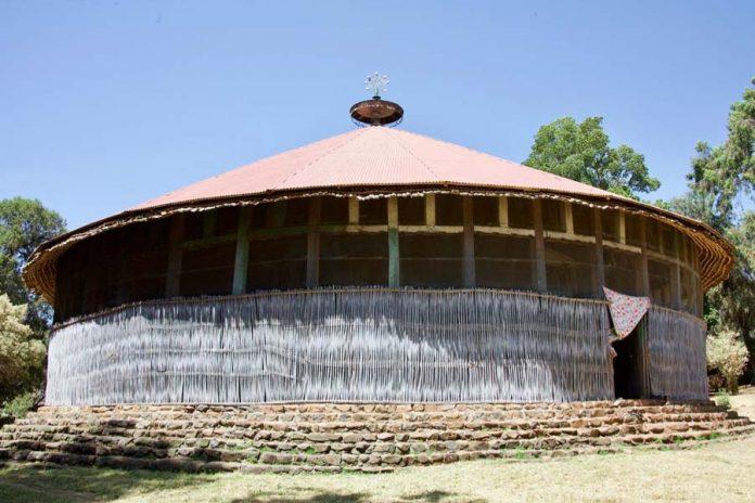 Bezoek tijdens Ethiopie reizen Ura Kianmhreth Kerk