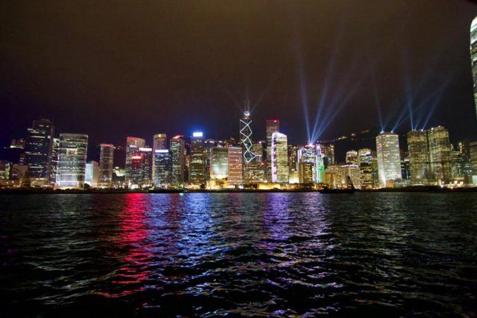 Hongkong stopover lightshow harbor