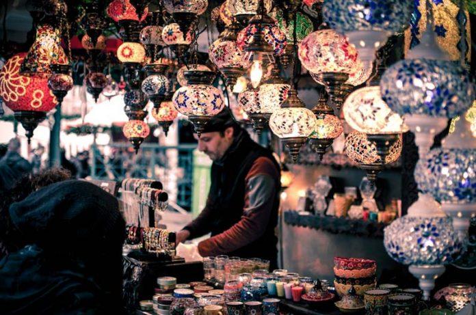 De Grand Bazaar markt Istanbul reizen
