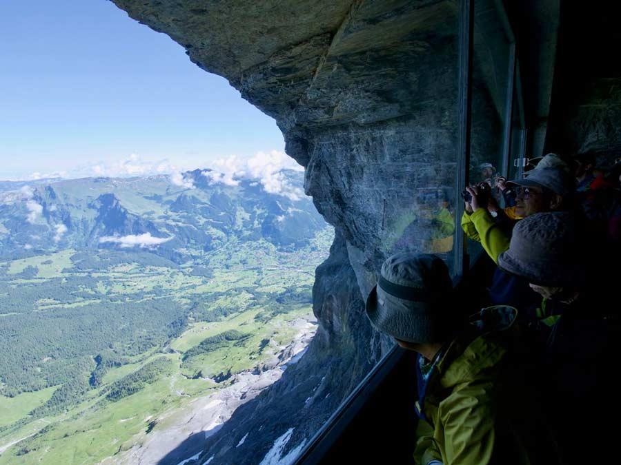Jungfraubahn Uitizcht in rotsen Zwitersland