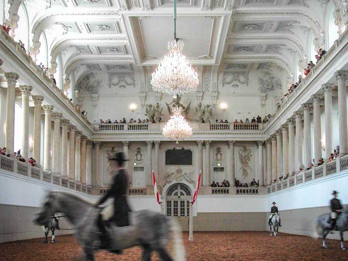 Wenen tips Spanische Reitschule paardenschool